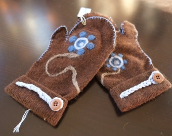 Upcycled wool mittens