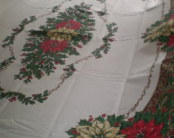 Vintage 1970's French Linen Christmas Oval Table Cloth and 4 matching Napkins,great condition