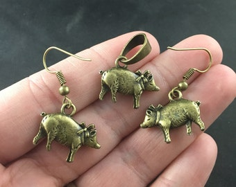 Cute Vintage Bronze Tone Piggy Necklace and Earrings Set