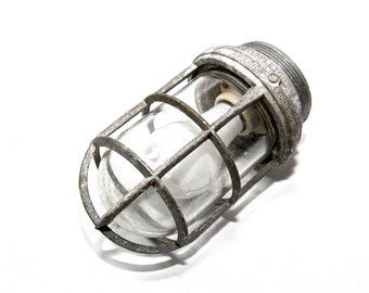 Vintage Appleton VGU-1 Form 100 Explosion Proof Industrial Light Fixture
