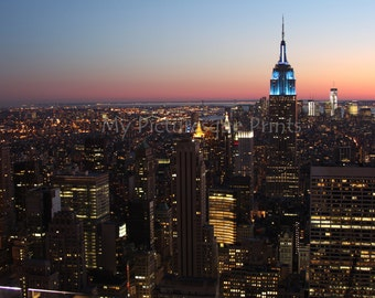 Downtown Manhattan @ night with Empire State building. New York, NYC