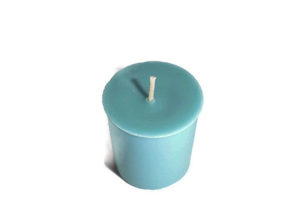 Rain Water Scented Votive Candle Box of 4
