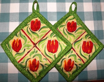 Quilted Potholders - Hot Tulips