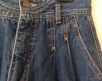 Vintage High Waisted Denim Jeans - Size 8