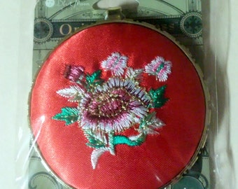 Blue Moon Beads Oriental Express Puffy Fabric Embroidered Flower Pendant Gold Tone