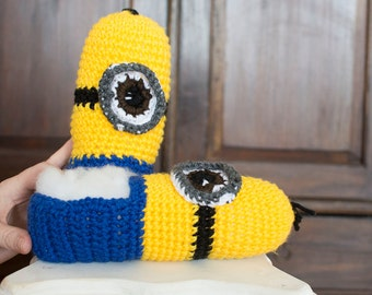 Crocheted minion slippers, minions, slippers for the family, slippers, yellow and blue, character slippers, cartoon slippers