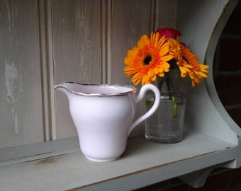 Vale jug~vintage Vale pink jug~vintage milk jug~pink jug~1950s~Vale~bone china jug~milk jug~pink vintage tableware~vintage tableware~pink