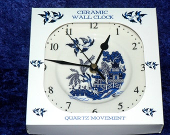 Blue Willow clock. Porcelain wall clock with Blue willow pattern design - Gift boxed