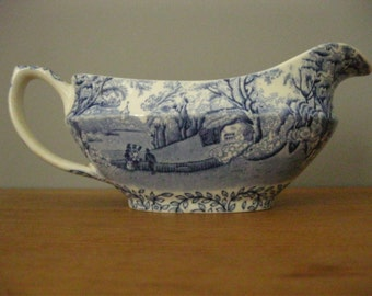 Early Blue and White Sauce / Gravy Boat.