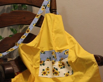 Adult apron with matching hotpads