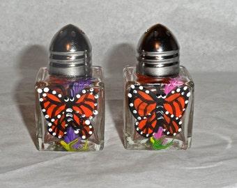 Butterfly Tiny Salt & Pepper, butterfly art, monarch art, butterfly painting, butterfly, butterfly salt shakers, night sky mini salt shakers