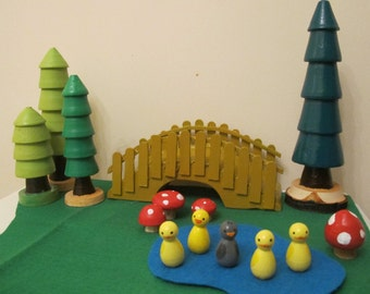 The Ugly Duckling Peg Doll set