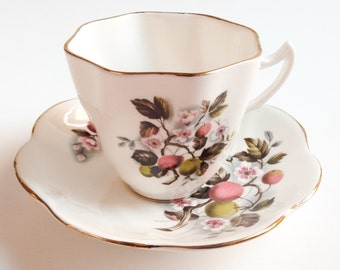 England tea Cup, teacup with apple blossoms, Bone China teacup, Vintage teacup, White tea cup, Teacup and saucer
