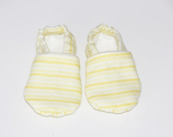 Stay on Booties 0-3 months Yellow and White Stripe