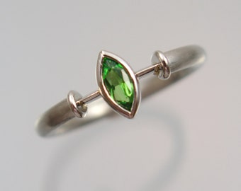 Platinum ring ring 960 Platinum Chromdiopsid Navette Platinum jewelry unique forged master work