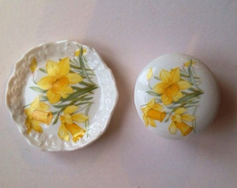 Daffodil trinket pot and tray by Jennie Phillips of Wales fine bone china
