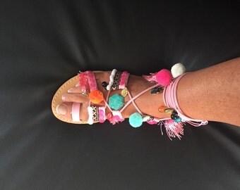 Sandal Gladiator Bohemian chic has PomPoms