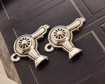 20 antique silver hair dryer charms hair stylist hair dresser charm pendant pendants  (L06)