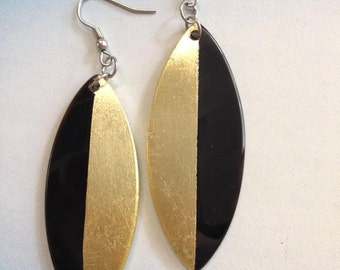Gold vertical lacquer leaf earrings