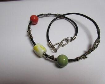 Ceramic bead bracelet / Black leather bracelet / Boho bracelet / Bohemian bracelet / Beaded bracelet / Country bracelet / Gypsy bracelet