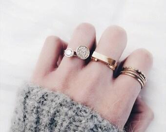 TROIAN Gold Bar Minimalist Ring_Hypoallergenic Stainless Steel