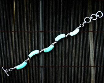 Alpaca Silver and Turquoise Curve Bracelet