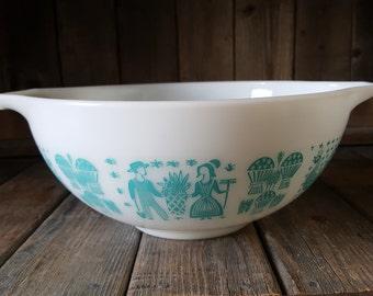 Vintage Pyrex Butterprint Cinderella Mixing Bowl 443