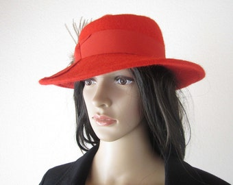 Vintage of MacLean spleen Hat Red