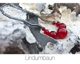 Classic Necklace, Red colored Jade and glass beads
