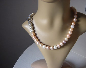 11 mm - with snap lock - salmon pearls necklace - necklace