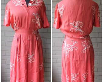 1940s Vintage Pink and White Flourish Dress - Size Medium