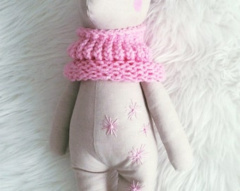 Billie Bear. A loveable, hugable keepsake teddy bear.