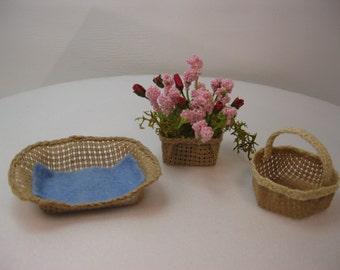 Set of three baskets