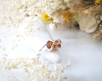 Elegant Honey Baltic Amber Ring, Natural Baltic Amber From Poland, Post Modern Designed Ring, Natural Inclusion Fossil