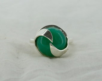 925 Sterling Silver Ring & 15 mm Round Green Onyx  Gem Stone