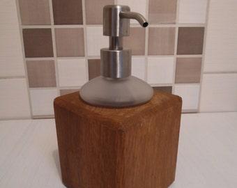 Dispenser wood and glass oak
