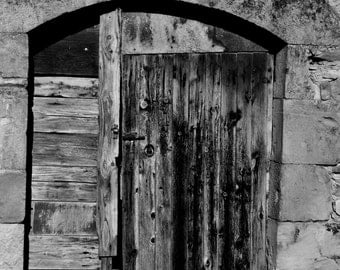 A door to the abandonment...