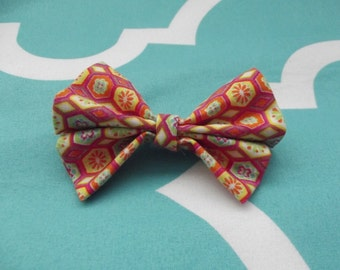 Flower patterned hairbow
