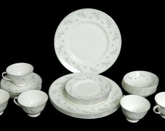 Royal Doulton Cotillion Fine Bone China Dinnerware Set 25pc  H4962