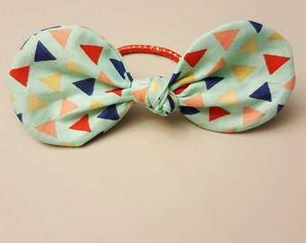 Mint with multicolor triangles bow hair tie