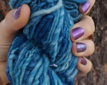 Hand Spun Worsted Weight Yarn Merino Wool Single Ply 106 Yards Blue Weaving Knitting Crochet Fiber Arts Felting