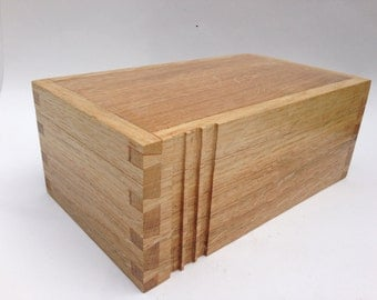 Solid Oak Arts and Crafts box from the Hardy Series