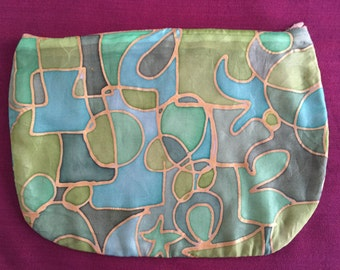 Silk pouch green, hand-painted - proceeds for the Africa project