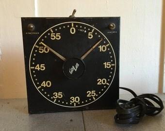 Vintage GraLab Model 300 Darkroom Timer