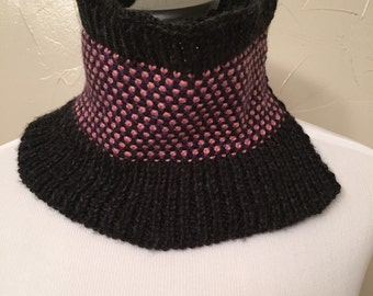 Black/pink/purple cowl
