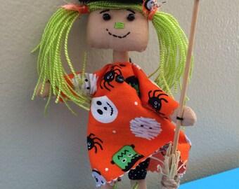 Mini prim witch