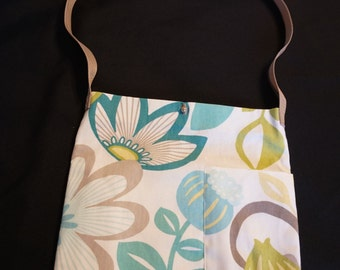 Fabulous Flower Tote Bag with inicials - Gift