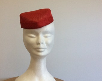 Simple Red Fascinator