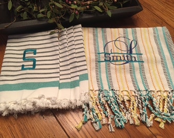 Personalized family table runner and set of 4 napkins