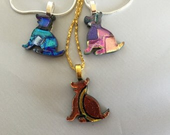 Dog pendant made of dichroic glass